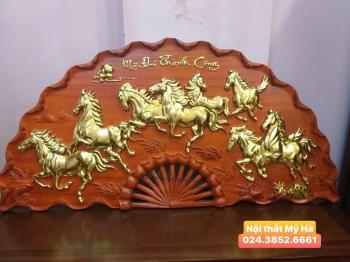Tranh quạt bát mã gỗ hương mạ vàng