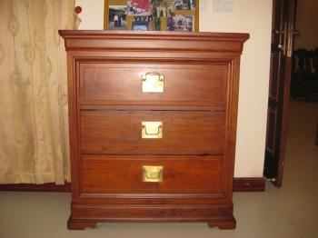 Tủ ngăn kéo gỗ hương